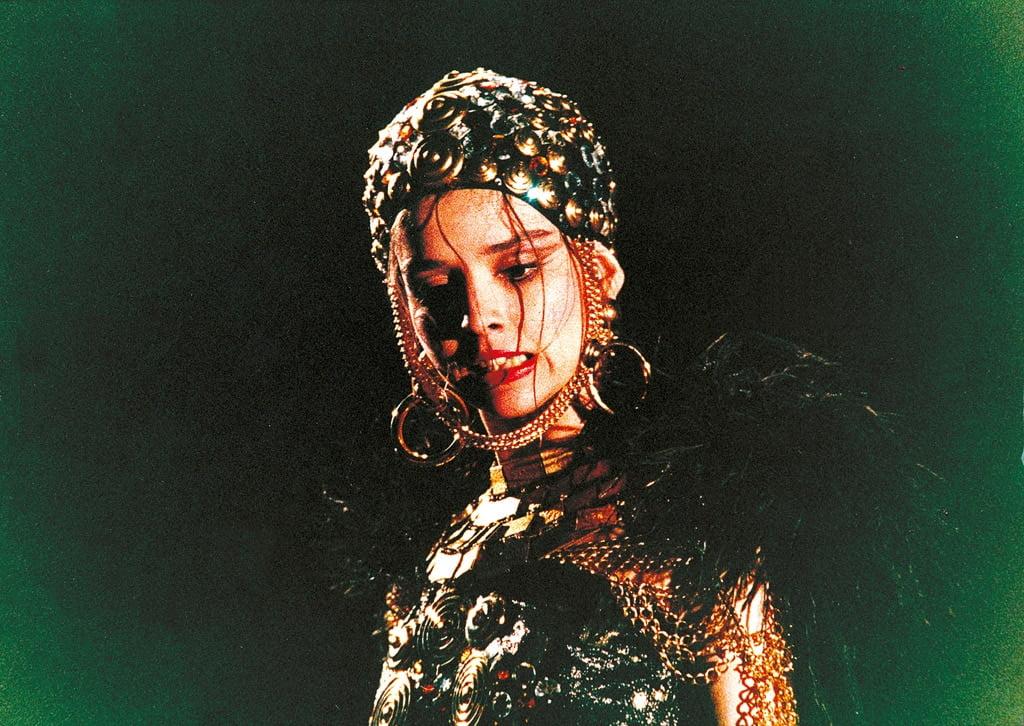 opera image 1